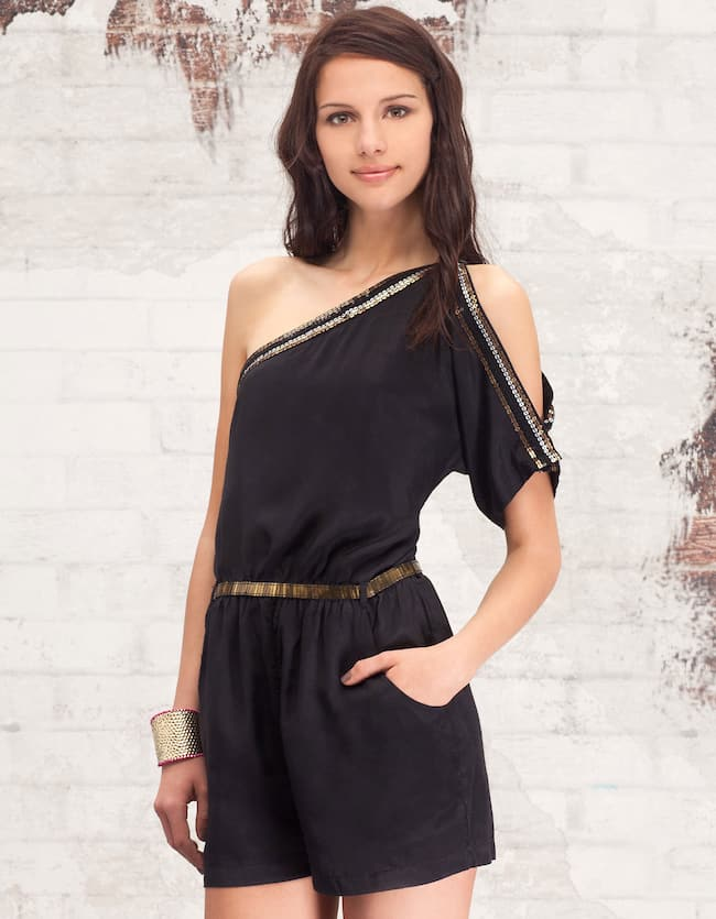 Jumpsuit with asymmetrical sleeves