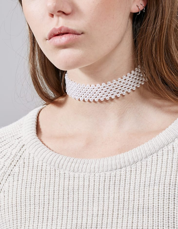 Set of 4 pearl and sequin chokers