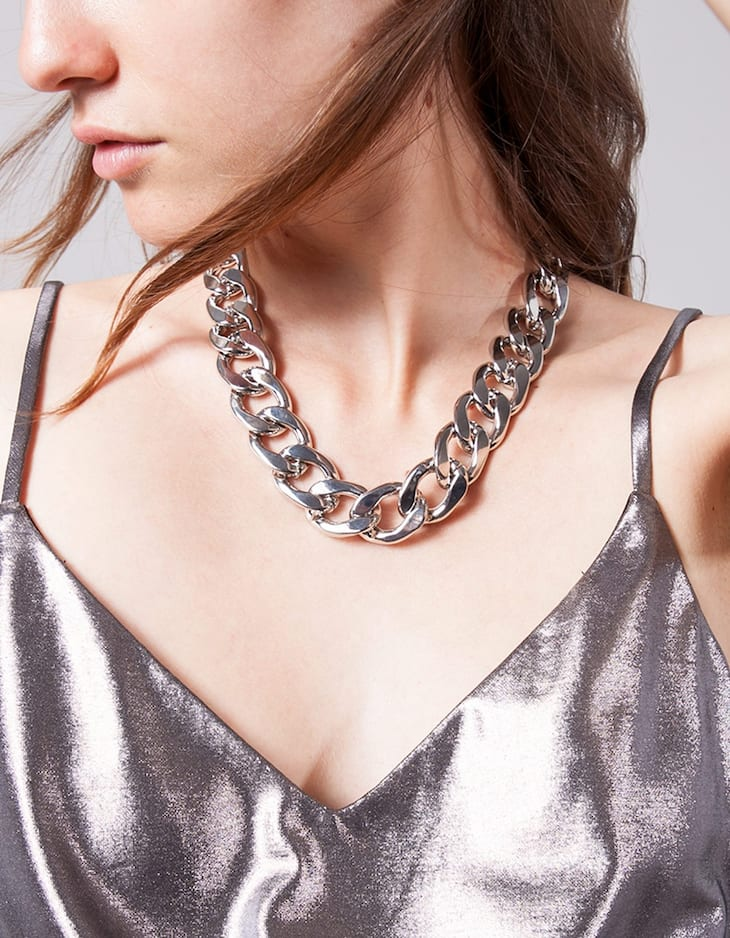 Blogger chain necklace