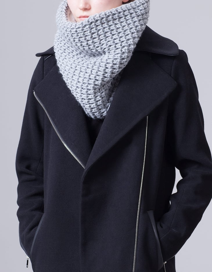 Tricot scarf with sheepskin-effect lining