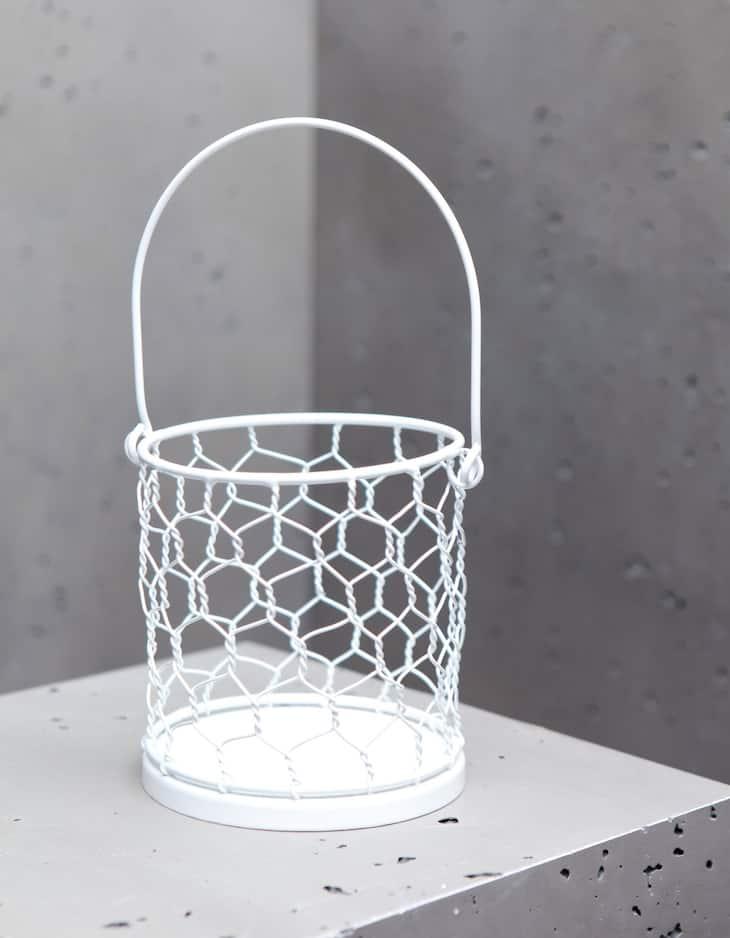 Large hexagonal mesh candle holder