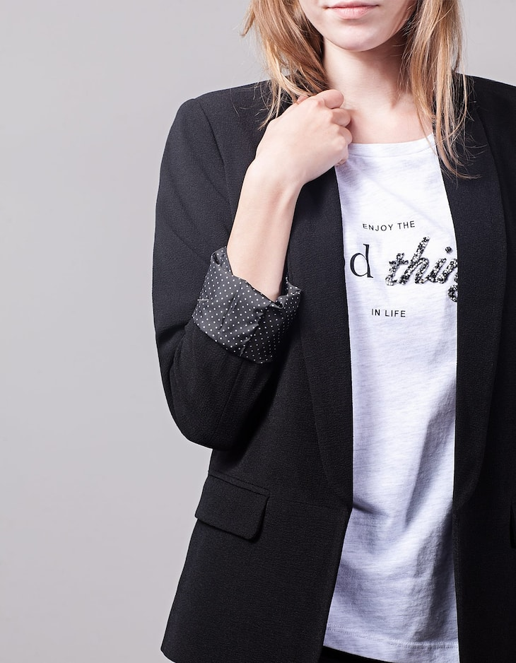Loose fitting blazer with print lining