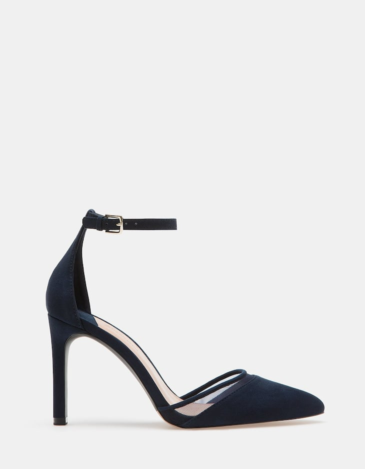 Shoes with vamp and ankle strap detail