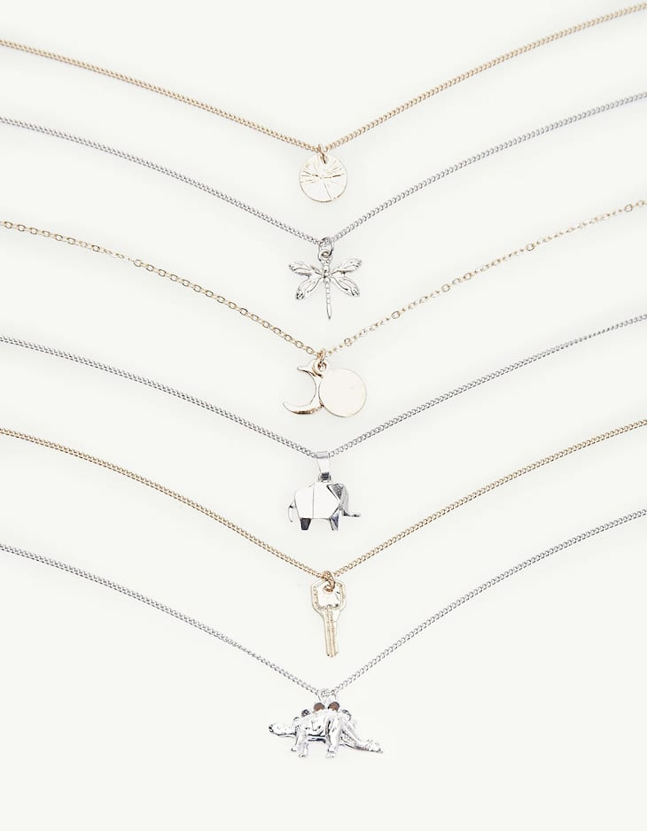 Set of 6 thin necklaces