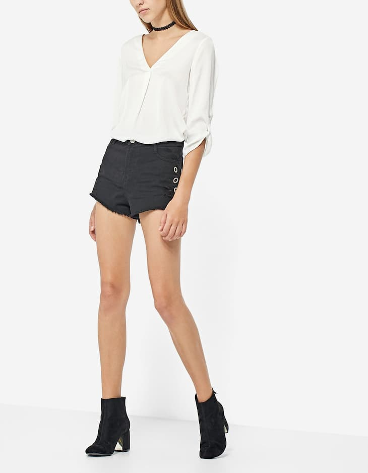 Twill shorts with eyelets