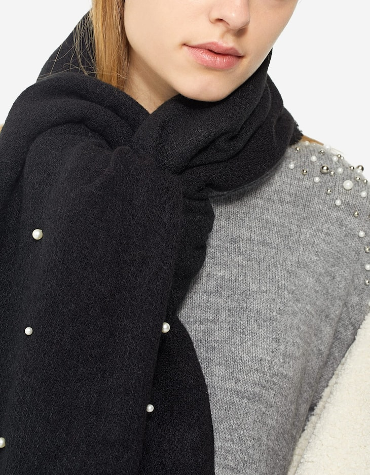 Scarf with pearl beads
