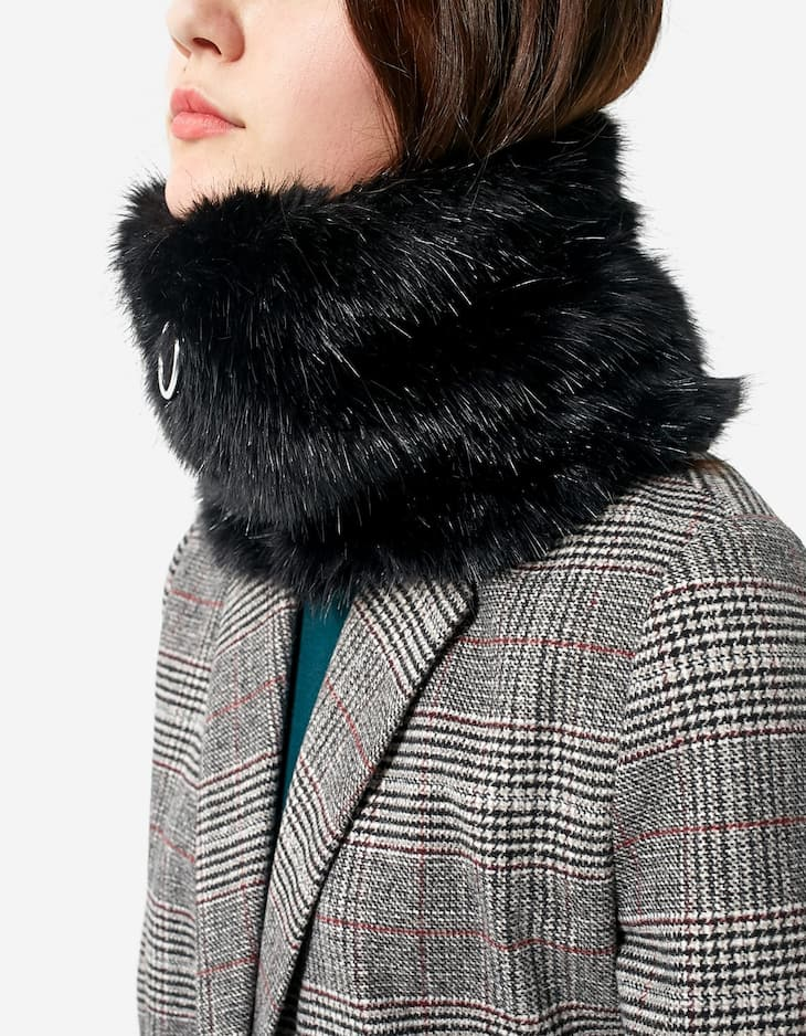 Faux fur snood with zip