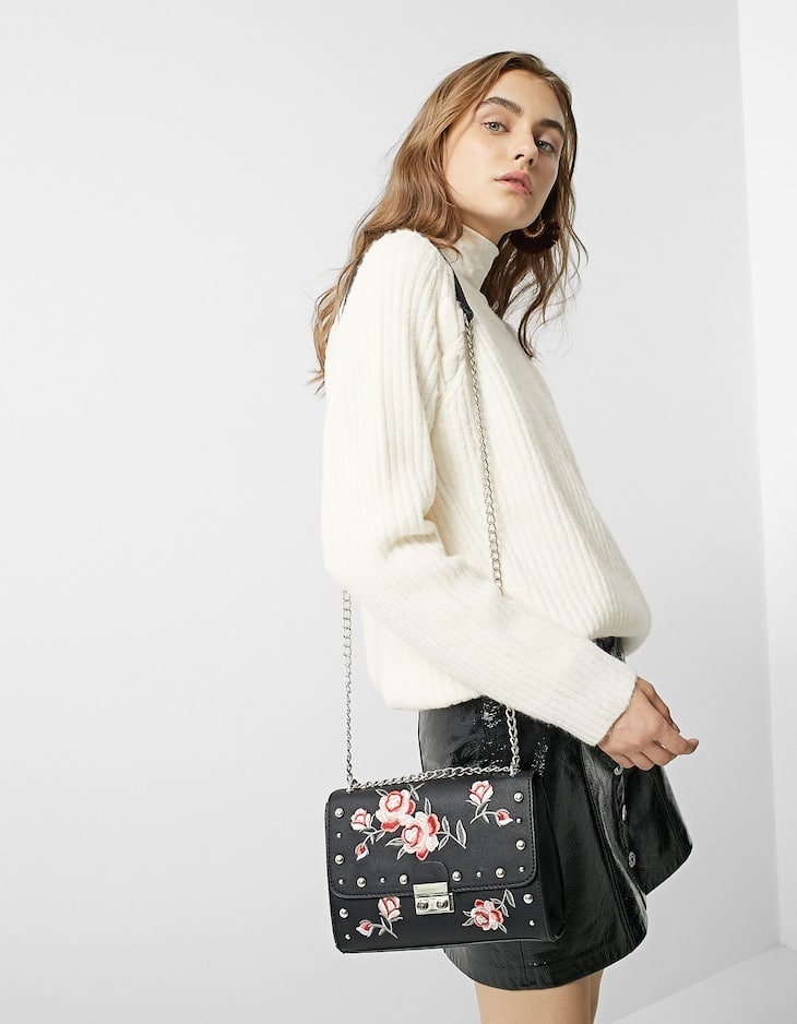 Handbag with large embroidered flowers