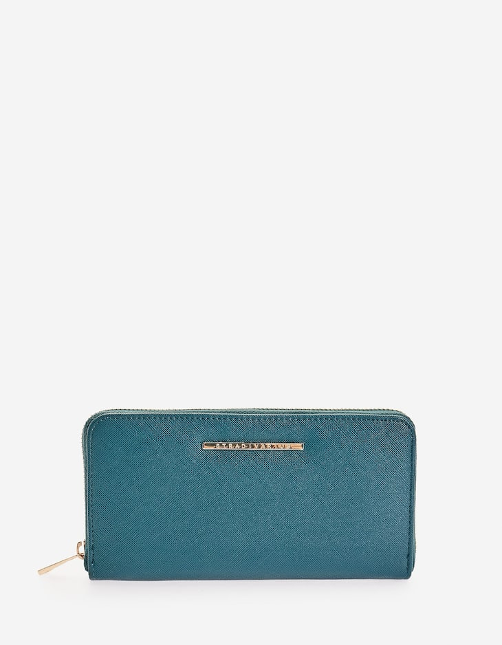 Embossed coin purse