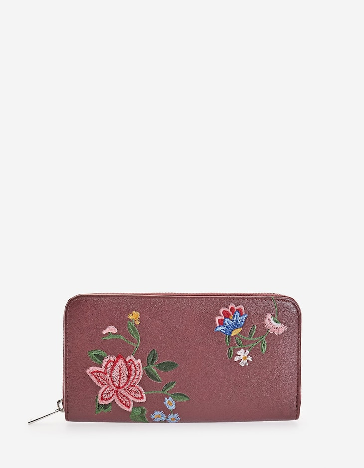 Zipped embroidered wallet