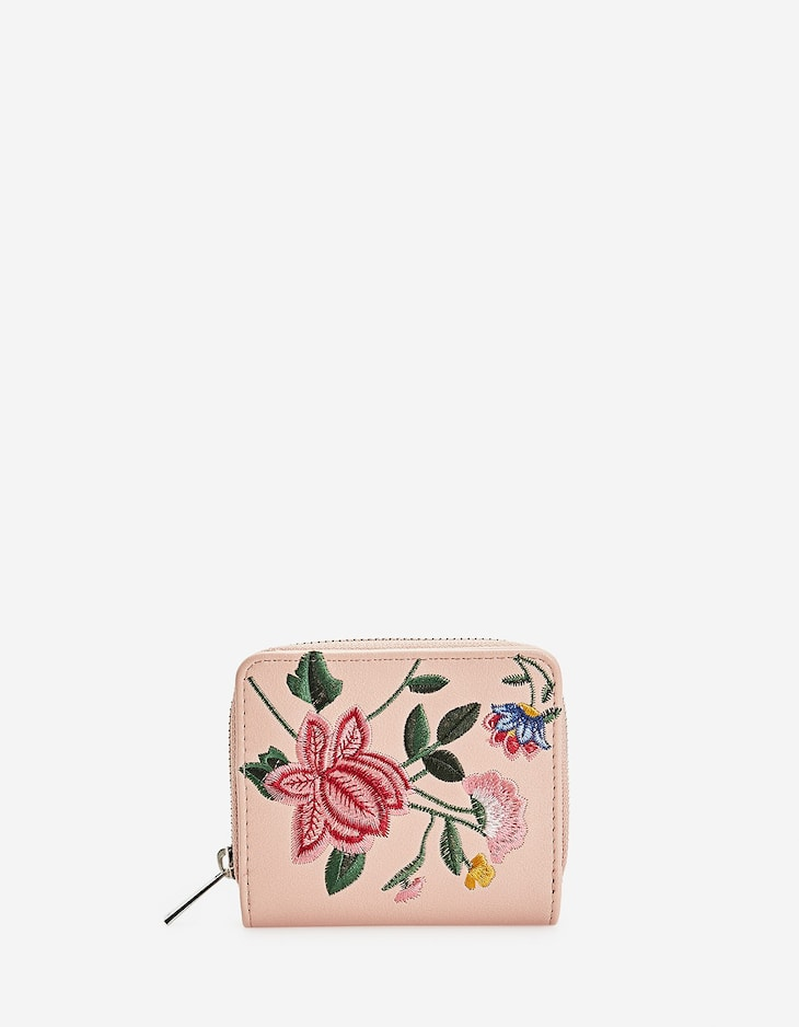 Square coin purse with floral embroidery
