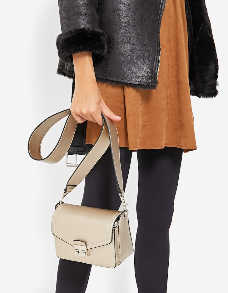 Mini crossbody bag with front fastener