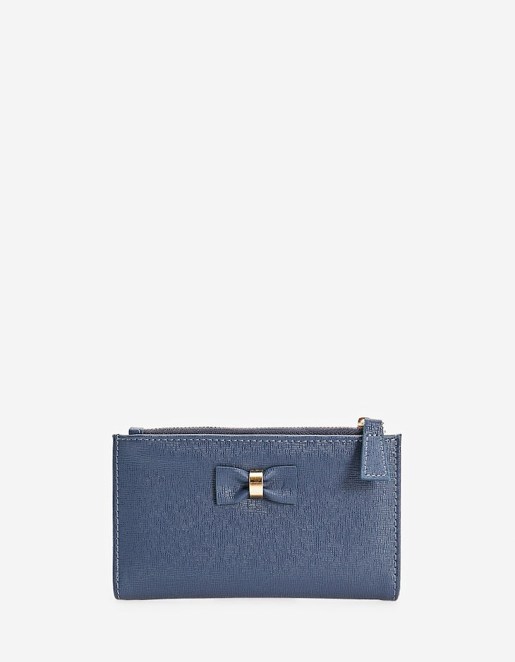 Purse with bow