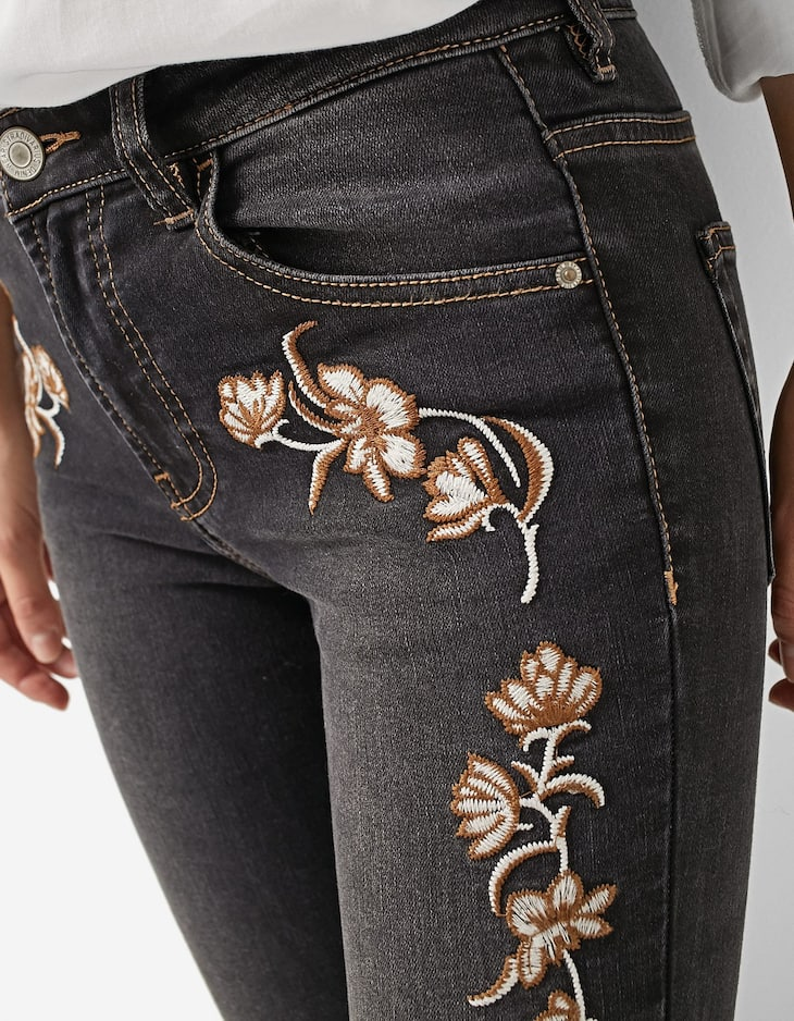 Embroidered high waist trousers