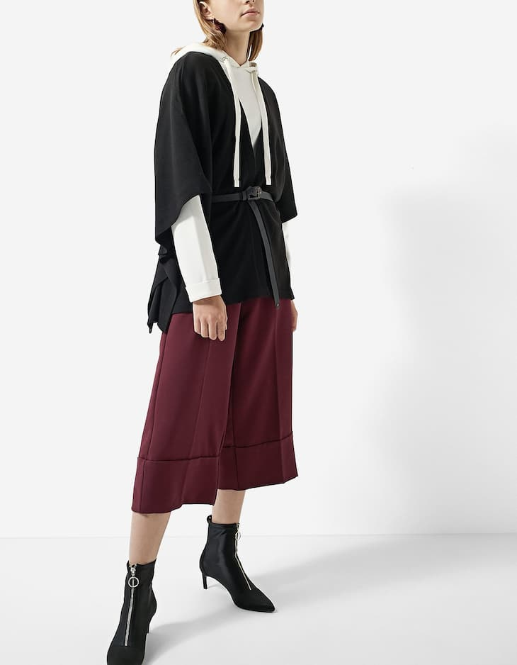 Cape with belt