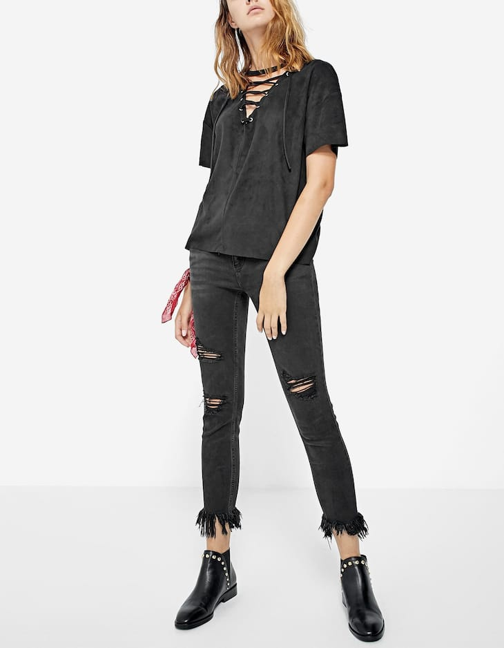 Camiseta escote lace up ante