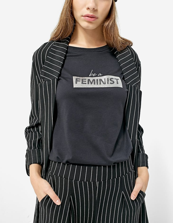 T-shirt with mesh slogan