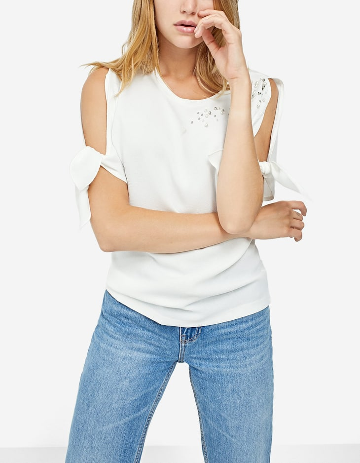 Double fabric T-shirt with faux pearls