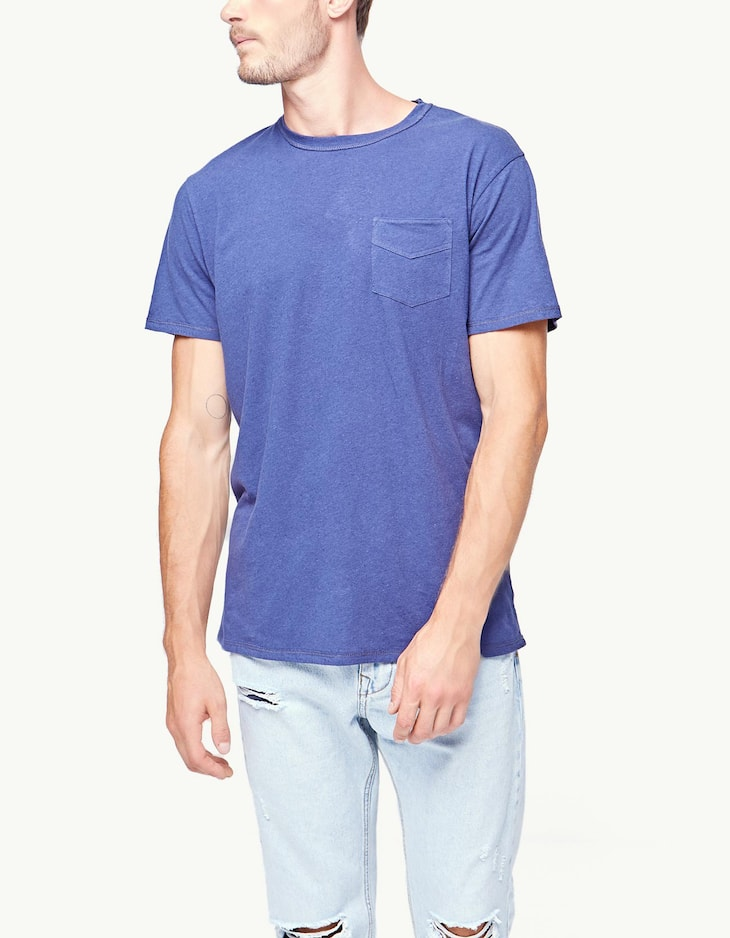 Linen T-shirt with pocket