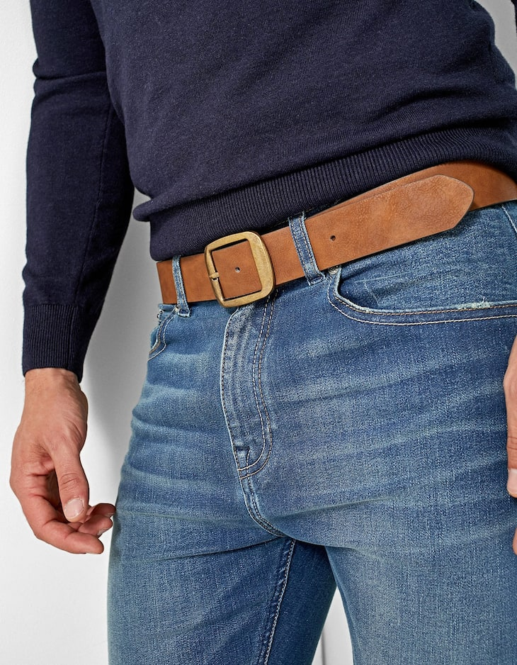 Belt with wide buckle