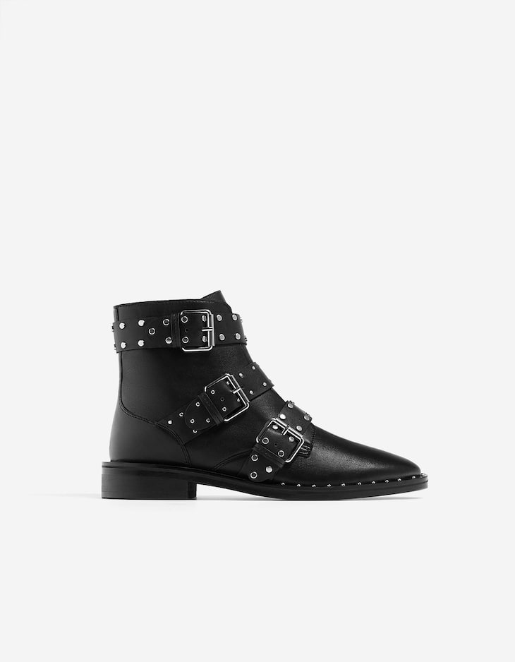 Leather ankle boots with studs
