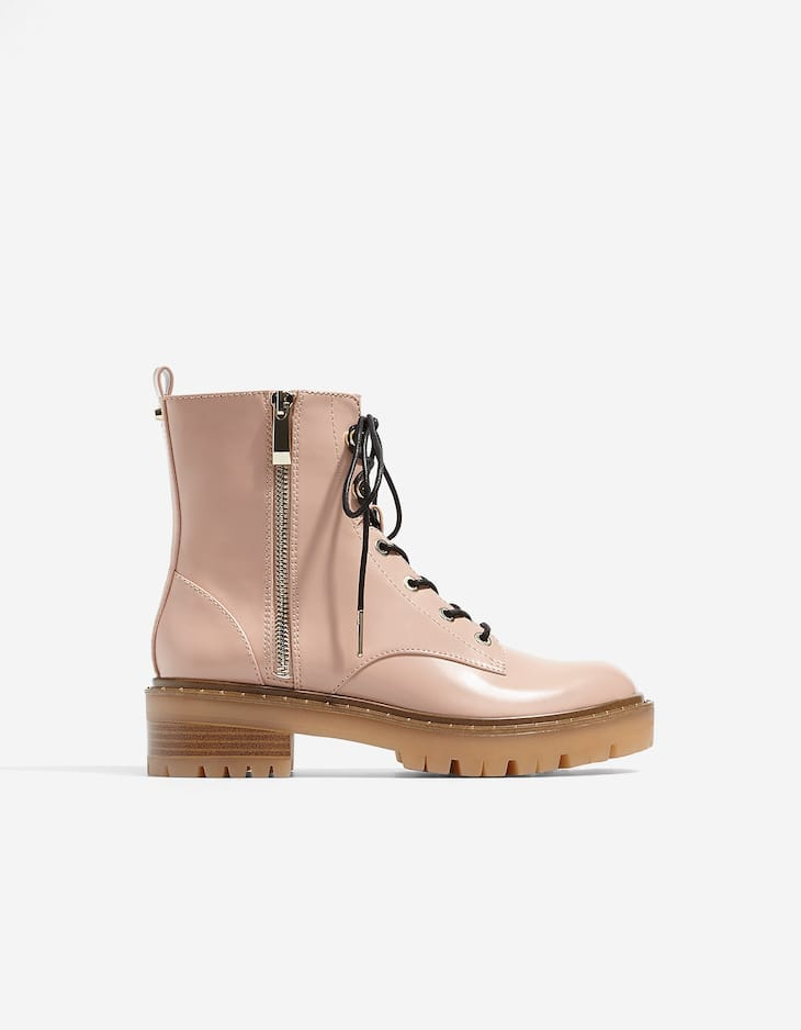 Lace-up ankle boots with zip