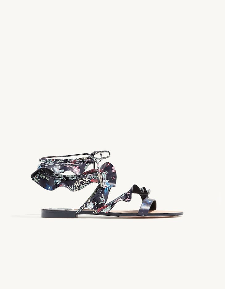 Lace-up frilled sandals