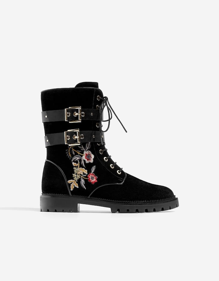 Bottes broderie CUIR