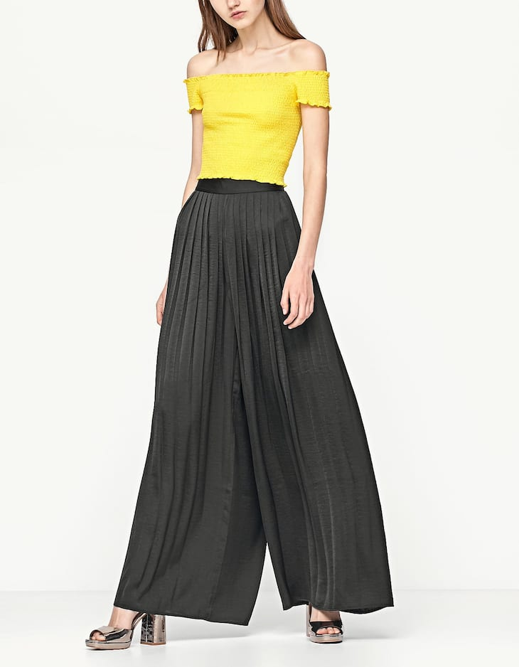 Flowing pleated palazzo trousers