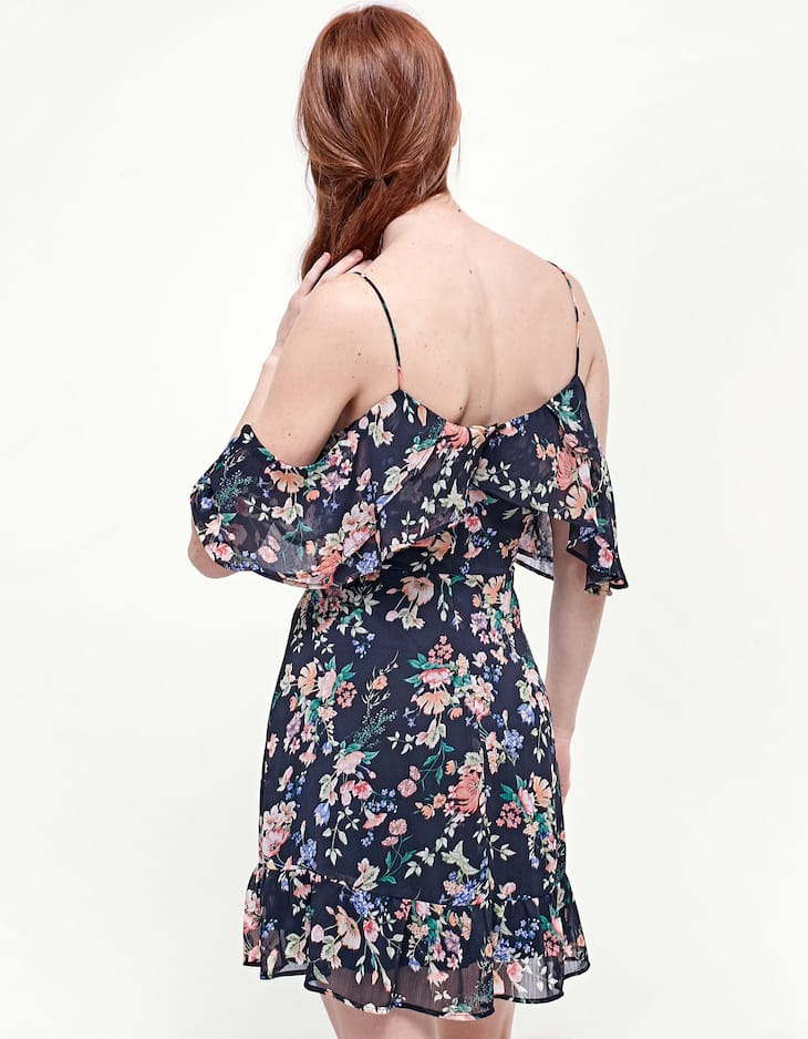 Airy dress with frill
