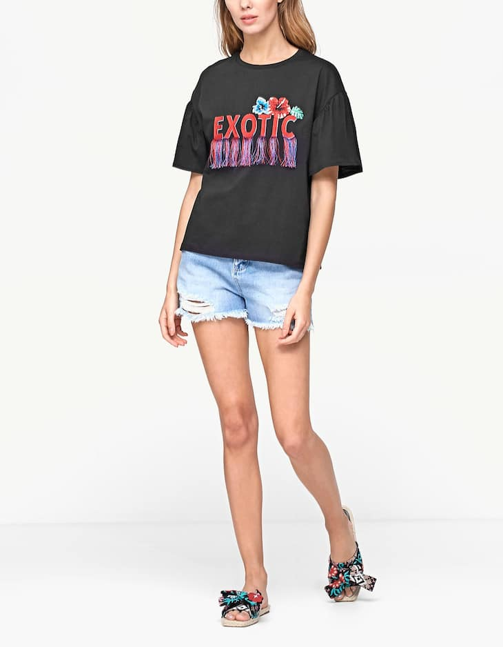 T-shirt with frilled sleeve