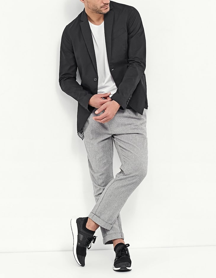 Lightweight blazer without shoulder pads