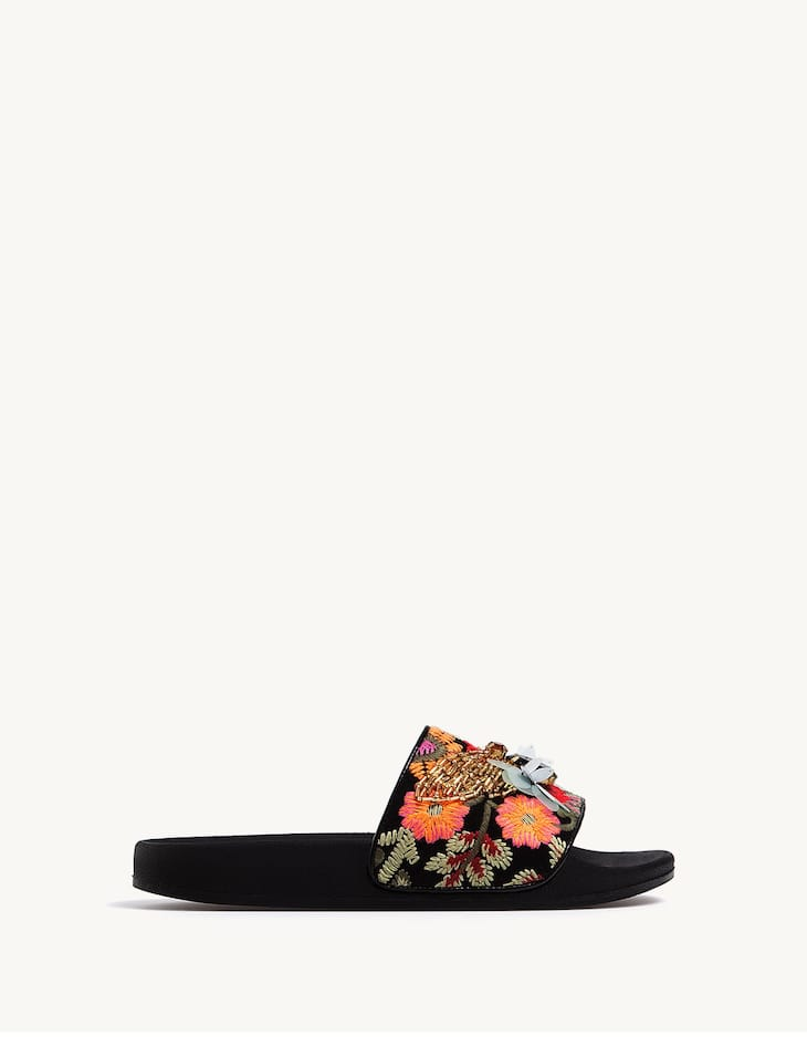 Sandals with fabric upper