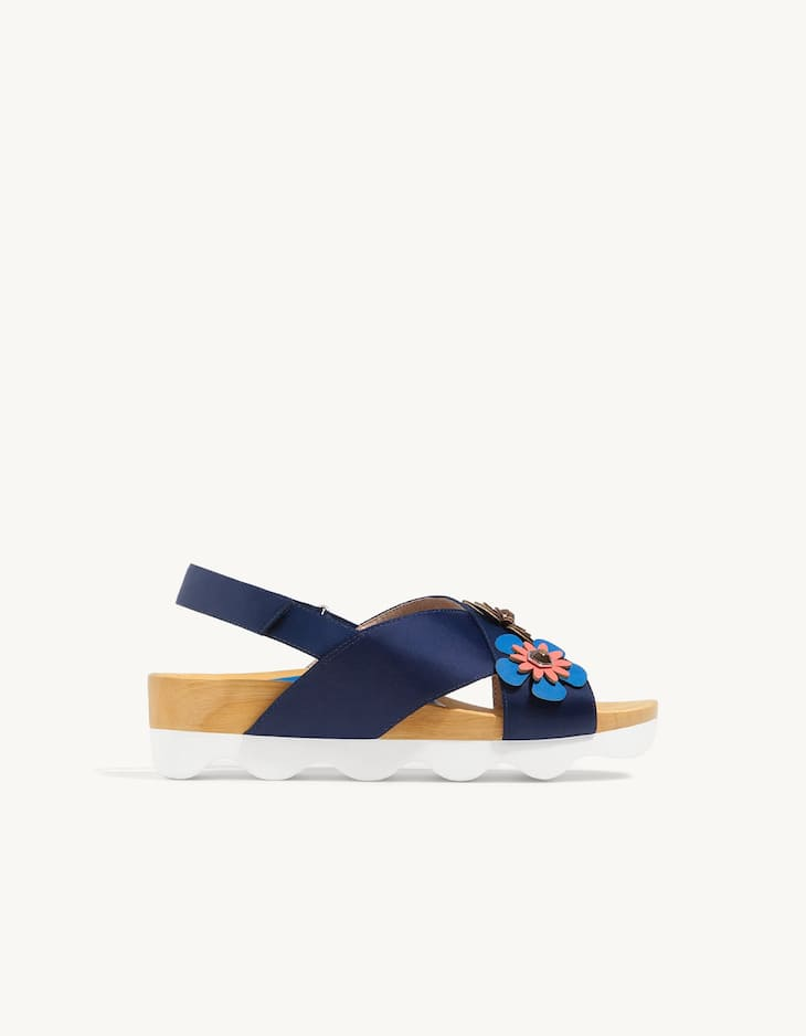 Wooden sole sandals