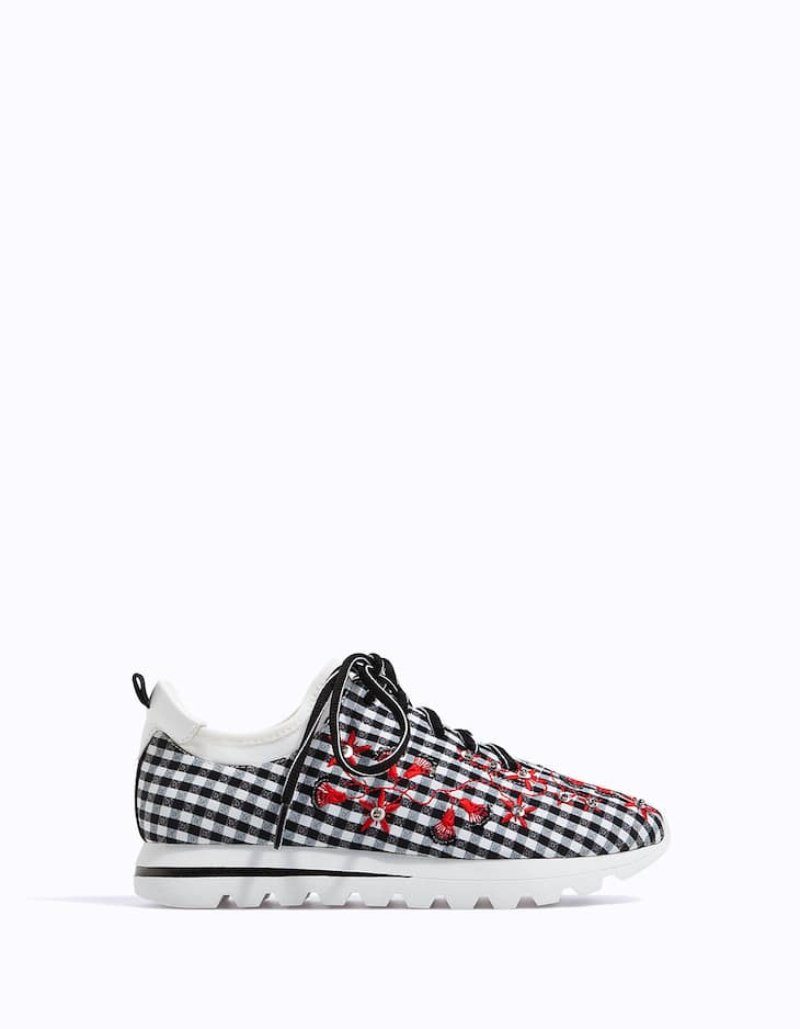 Gingham embroidered sneakers