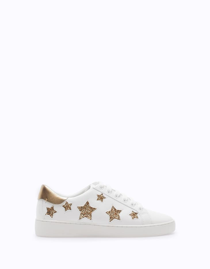 Casual sneakers with star trim