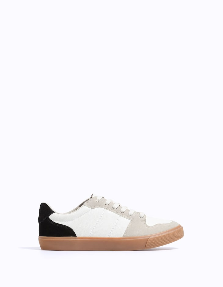 Combined plimsolls with caramel sole