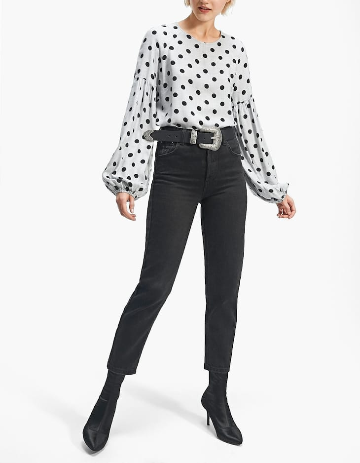 Shirt with full-bodied sleeves