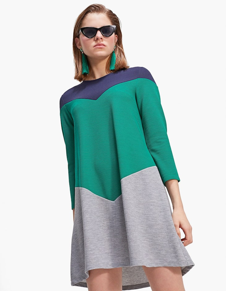 Colour block dress with 3/4 length sleeves