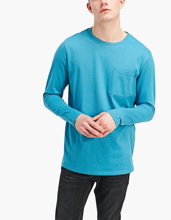 Long sleeve T-shirt with vigoreux yarn