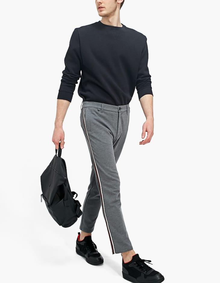 Pantalon slim fit maille milano avec bandes côtés