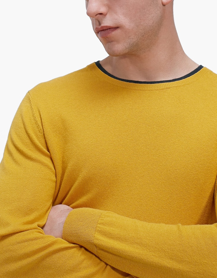 Sweater with double-layer round neckline