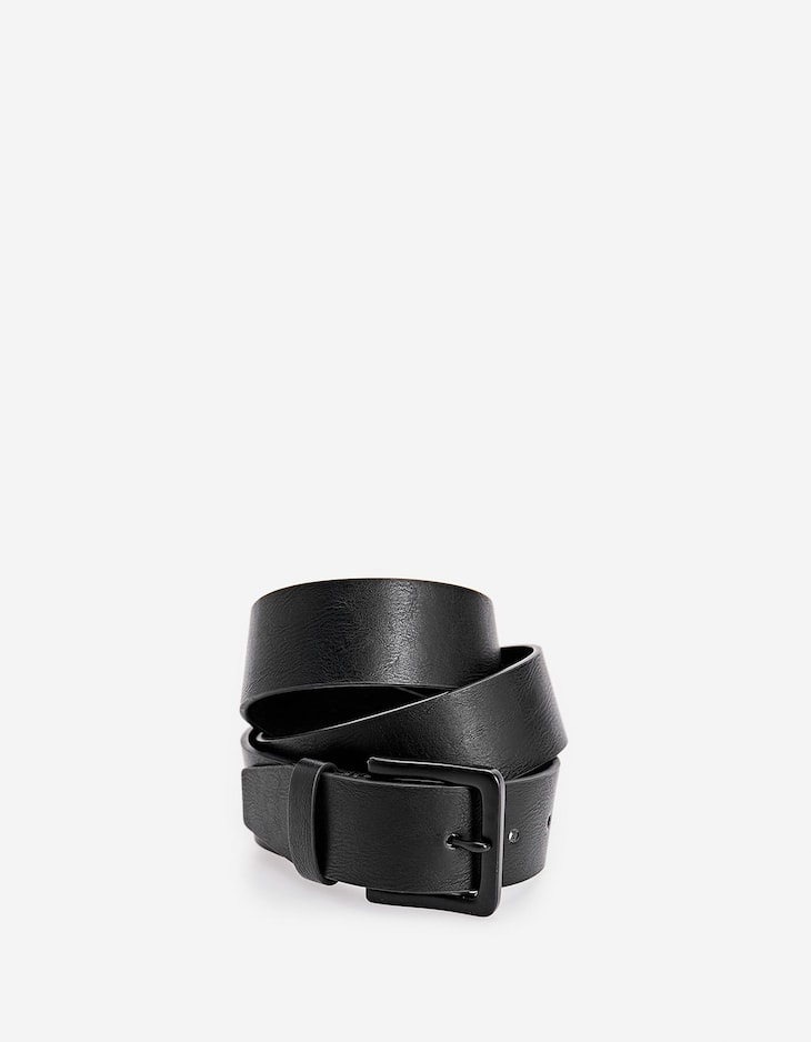 Belt with rubberised buckle