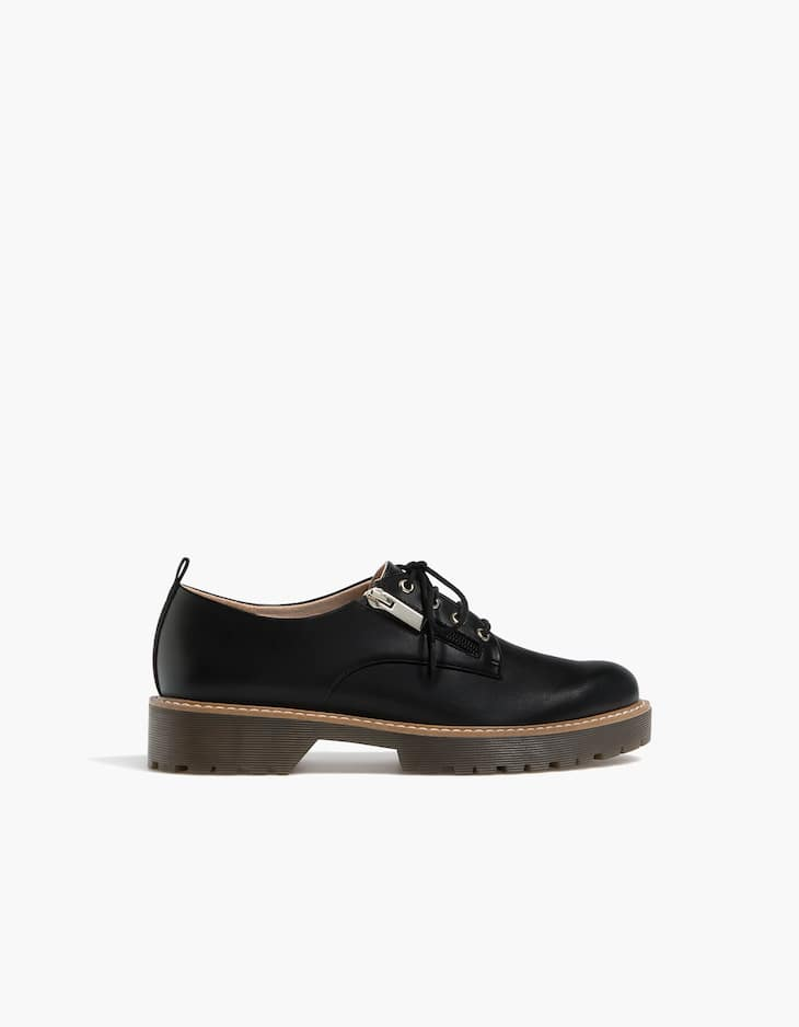Derby shoes with side zip