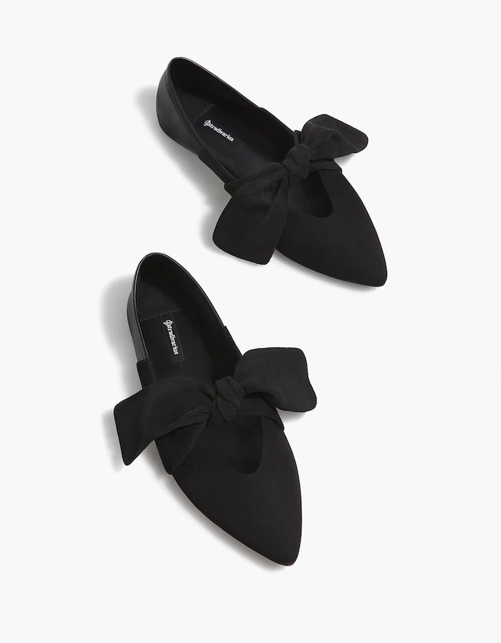 Black contrasting ballerinas with bow