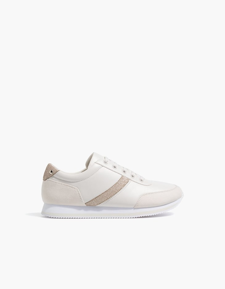 Sneakers with contrasting nude details