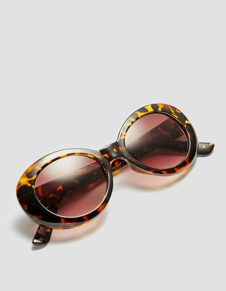 Semi-oval sunglasses