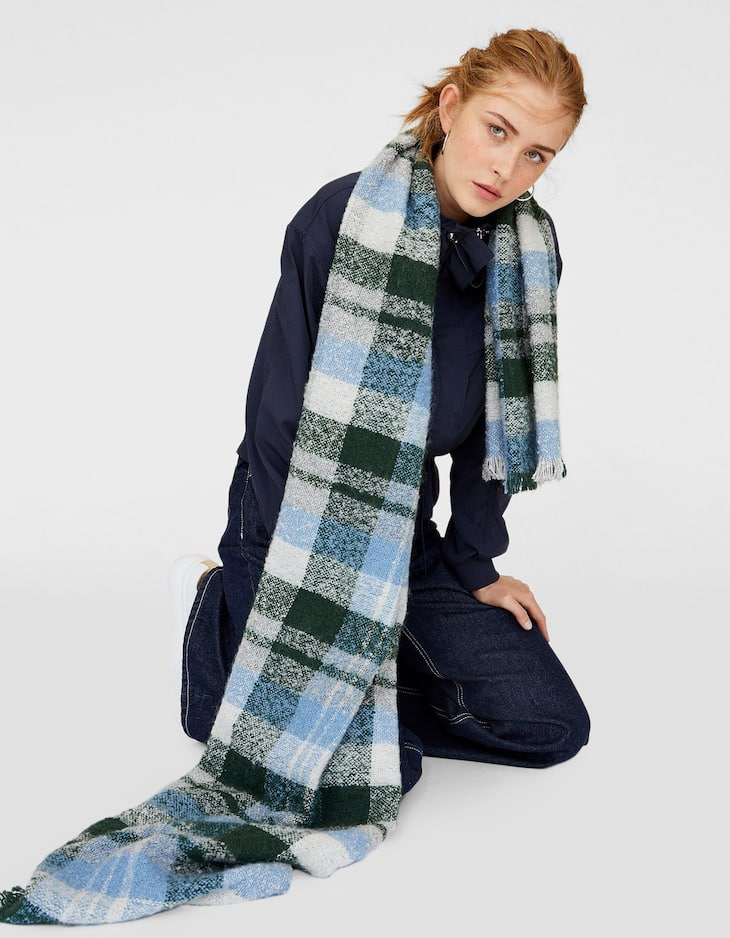 Checked bouclé scarf