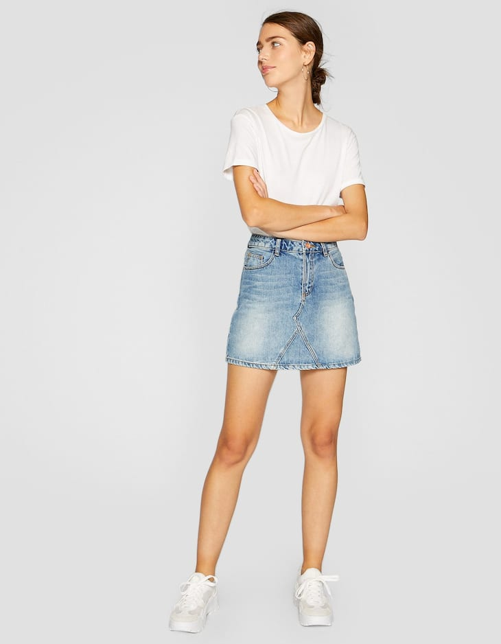 Denim skirt with front seam