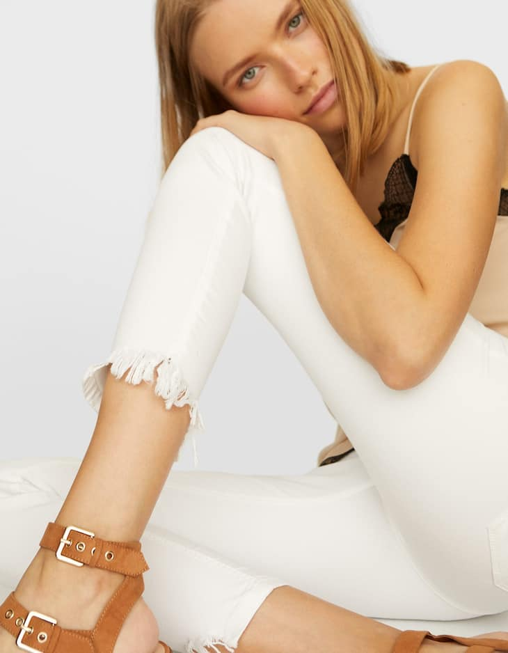 White skinny trousers